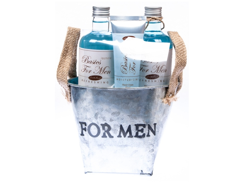 Dárkový košík Basics for Men sprchový gel, šampon, krém, houba