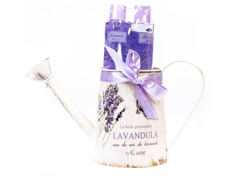 Dárkový balíček konev Janette Beauty Lavender sprchový gel, šampon a houba